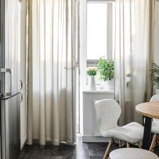 Pomysł na praktyczny stół do małej kuchni