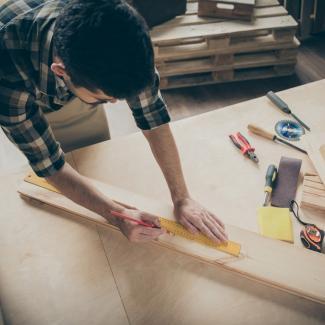 Jak zrobić stół? Stół z desek krok po kroku