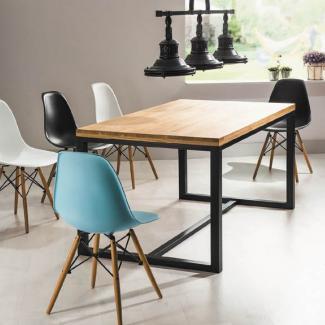 zestaw stół z krzesłami loft w industrialnym wnętrzu - nowoczesny design